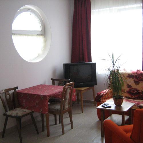 3+2 személyes földszinti nappali